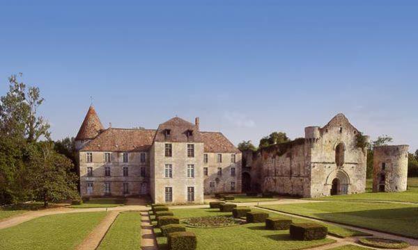 Abbaye-de-la-Réau_86350-SAINT-MARTIN-LARS